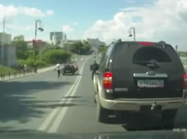 This car does not want to stop and get on the move - Video