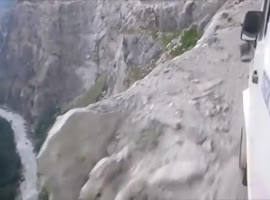 dangerous journey through the mountain - Video