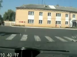 Cyclist crushes in Street Sign