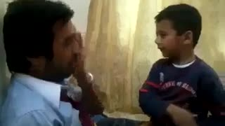 Slap war between father and son - Video