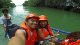 Traveling the Beautiful Sights of the Philippines - Video