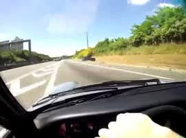 Porsche 933 Driver Narrowly Avoids Car Crash - Video