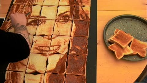 Artist Paints Kate Middleton on Toast with Marmite!