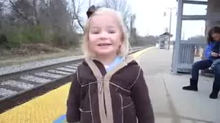 Beautiful little girl - Video