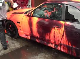 car has epic paint job - Video