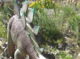 Robot Dinosaur Museum, Calbazon, California... - Video