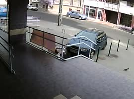 Bank robbery  in Hungary - Video