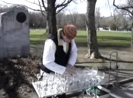 Musician plays music with glasses - Video