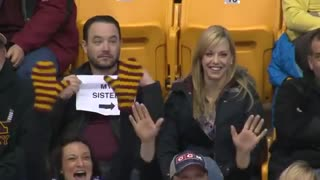 LOL Kiss cam sign - Video