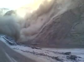 massive landslide-natural case - Video