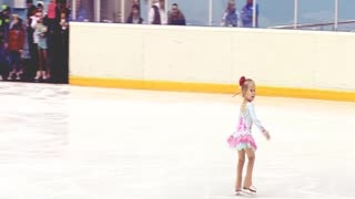 3-year-old Russian toddler is a rising figure skating star - Video