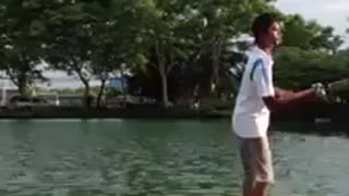 Rather than catch fish, catch fish bait him. - Video