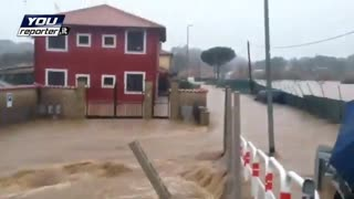 rome flooding - Video