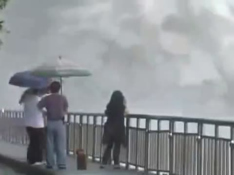 Incredible Footage of Dam Releasing Flood Waters