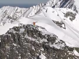 Freeskier Survives Avalanche Accident - Video