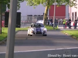 Porsche 964 flew straight - Video