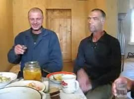 So that eating breakfast drinker from Russia - Video