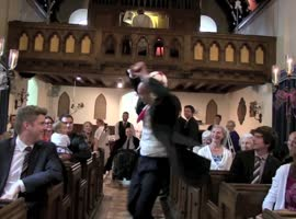 Groom Shows Off Amazing Juggling Skills - Video