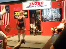 Chick Vomits During 424-lb Deadlift