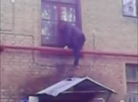 DRUNK MAN PARKOUR FAIL - Video