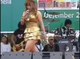 Hot Sexy Shake Dance Dangdut - Video
