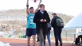 College Pranksters Dunk on Unsuspecting Students - Video
