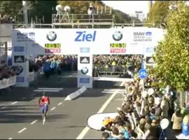Man in Yellow Steals Marathon World Record!!! - Video