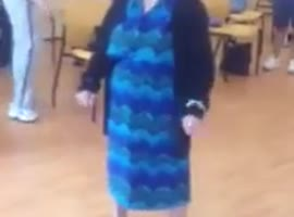 Granny is the queen of the dance floor - Video