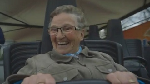 Grandma Rides Roller Coaster For the First Time