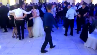 The best dancer of the wedding. - Video