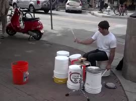 Awesome busker - Video