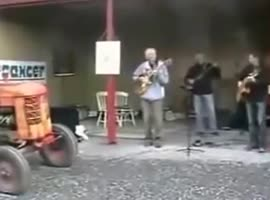How guitar players sometimes see the drummer - Video