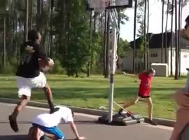heavy fall in basketball - Video