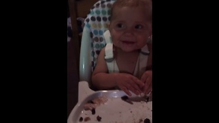 This baby's happiness is contagious! - Video