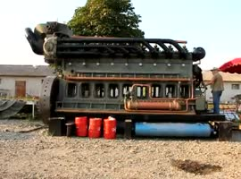 Largest Diesel Engine - Video