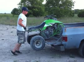 This is how the Jeep ATV cargo. - Video