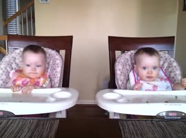 11 Month Old Twins Dancing to Daddy's Guitar - Video
