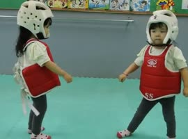 Most cutest fighters ever - Video