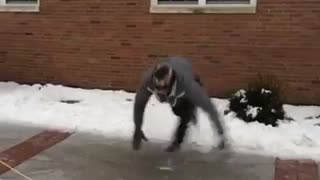 Ice makes everyone a break dancer! - Video