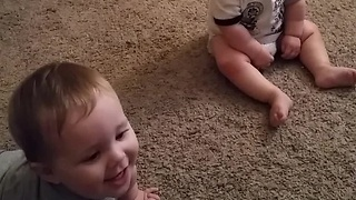 Twin Babies Think Bubble Wrap Is Hilarious - Video