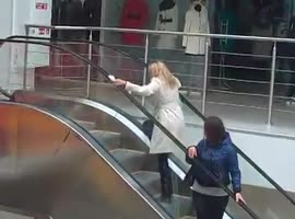 blonde vs. escalator - Video