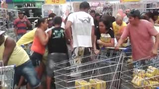 Customers Swarm Over Cheap Beer In Brazil - Video