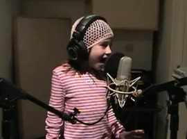 7 Year Old Girls Sings For Troops
