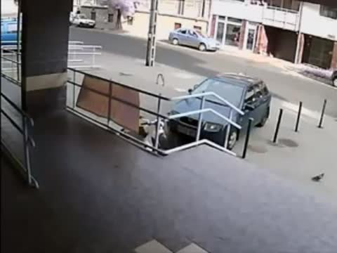 Security Guard Chases Bank Robber