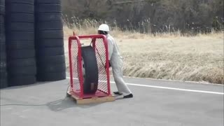 How Much Air Can A Tire Hold - Video