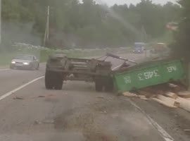 A Truck Driver Loses His Load and crashed heavily