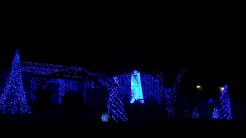 A spectacular Christmas light show to remember!