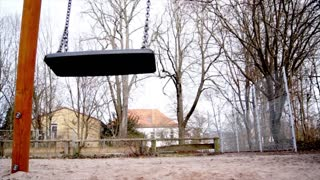 SWING FRONT VIEW WITH CAMERA RAIL FULL HD ! - Video