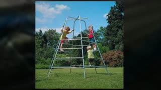 castle climbing frames - Video