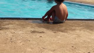 My children on  Swimming pool - Video